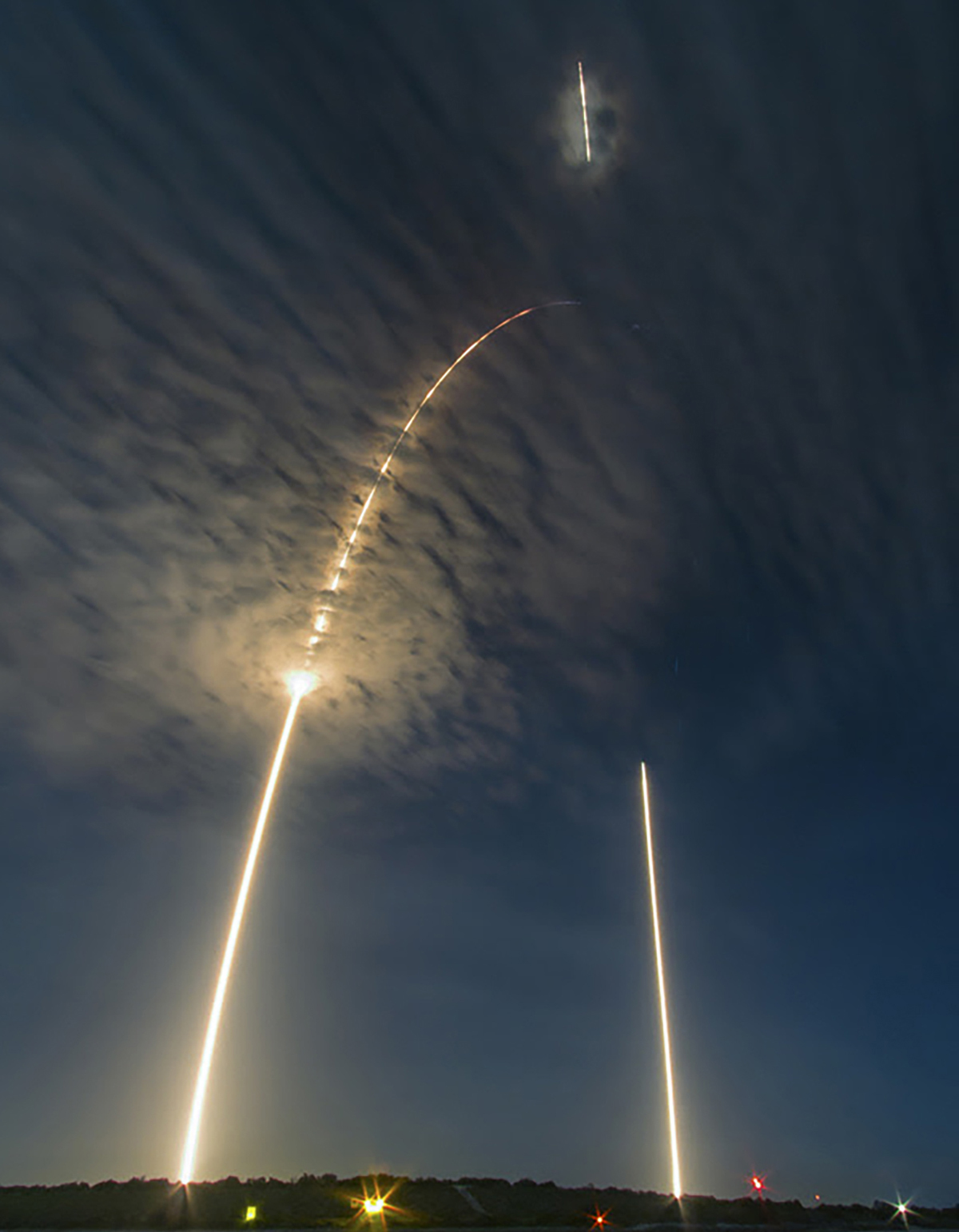 032 Spacex 8 Long Exposure Of The Falcon 9 Crs 9 Launch Arc Landing 2016